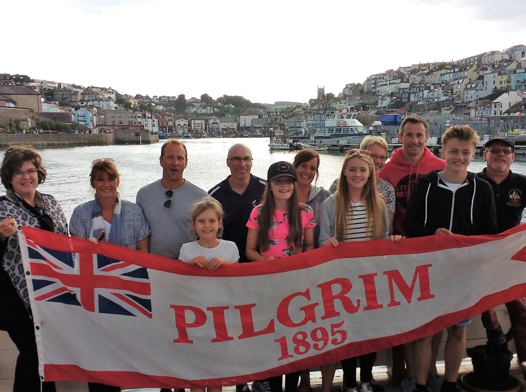 Family PicNdip Celebration Sailing